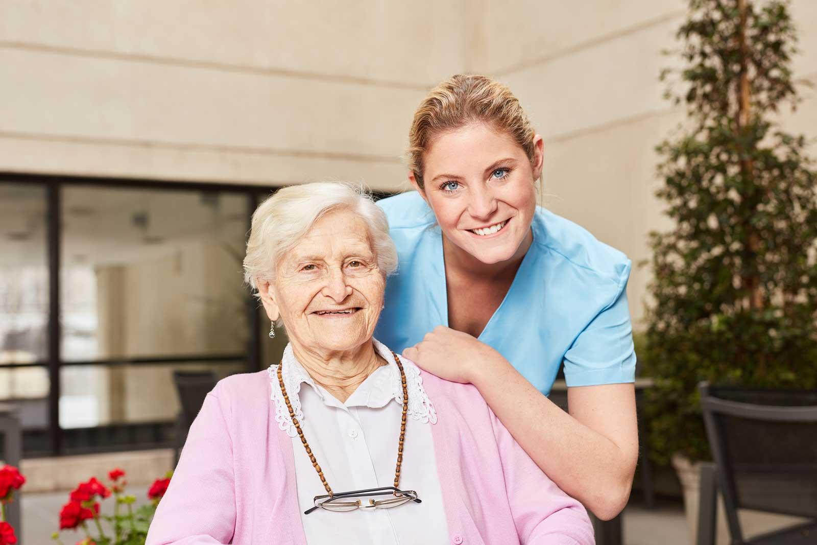 Pérdida de autonomía en los mayores: servicio de ayudas a domicilio